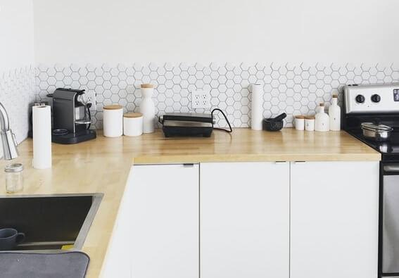 Tomettes modernes dans une cuisine