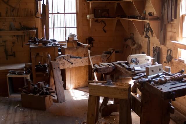 Ancien atelier très peu éclairé