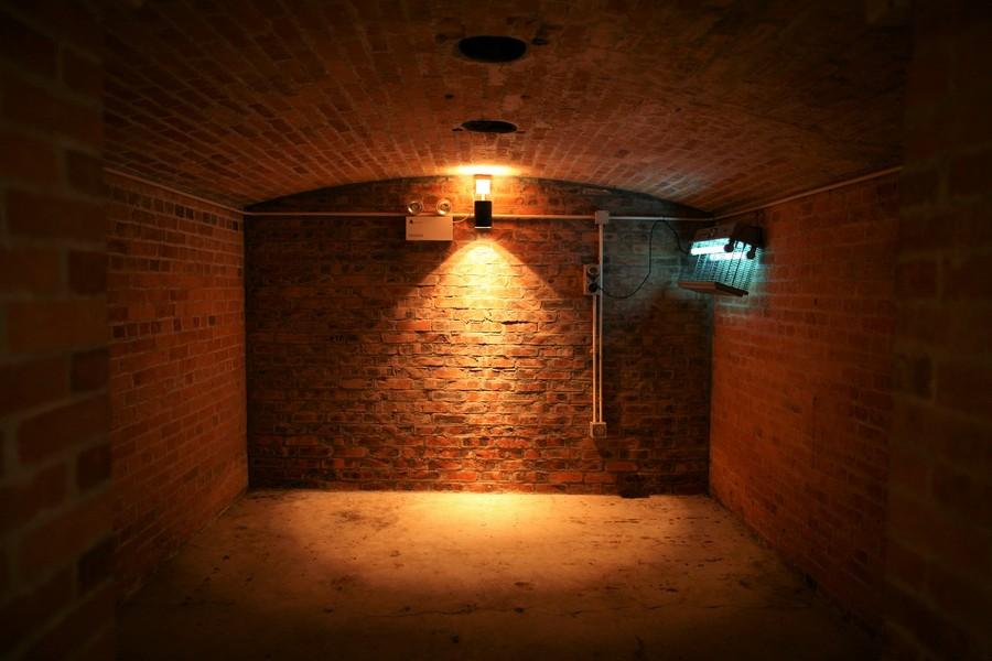cave éclairée