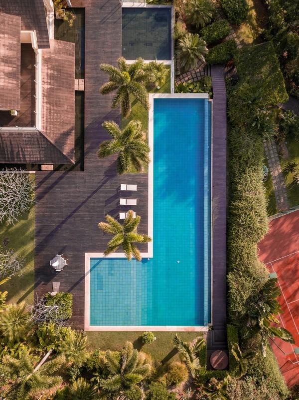 piscine en forme de L