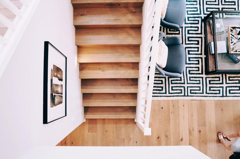 vue sur les marches d'un escalier